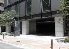 NPC24H東京建物八重洲ビルパーキング